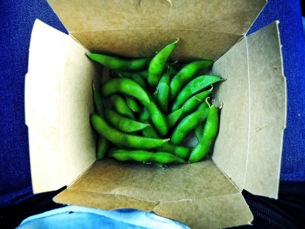 Mmmm, Edamame. My current snack addiction of choice :)