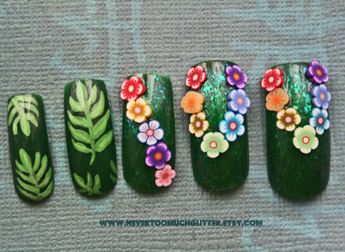 Hawaiian lei and jungle leaf nails.