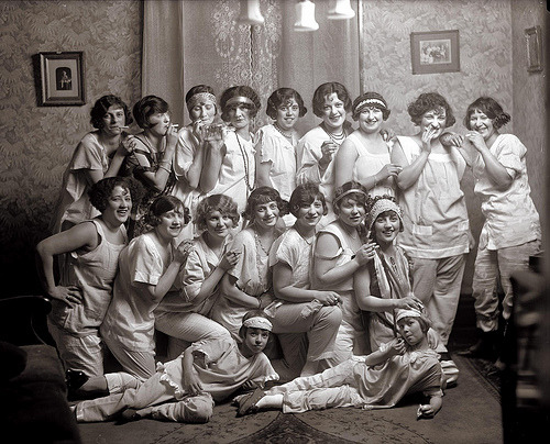 littlehistorythings:  suicideblonde:  Slumber party, 1924  This is just lovely.
