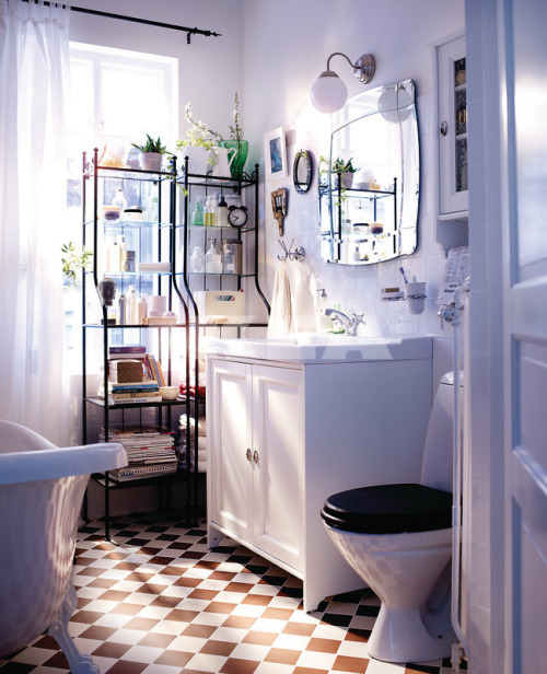 myidealhome:  tiny bathroom (via homedesigning, IKEA Bathrooms)