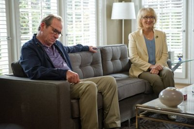 REVIEW: Hope Springssircritic.com Cast: Meryl Streep, Tommy Lee Jones, Steve CarellWriter: Vanes­sa Tay­lorDirec­tor: David Frankel (The Devil Wears Prada)When I saw it: Aug. 7, 2012Where I saw it: Rave Day­ton SouthWhy I saw it: Love the two leads.Quick. Think…