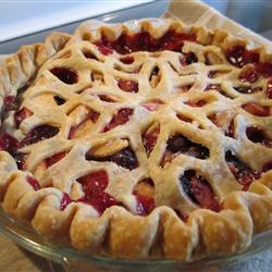 allaboutyums:  Bumbleberry Pie II