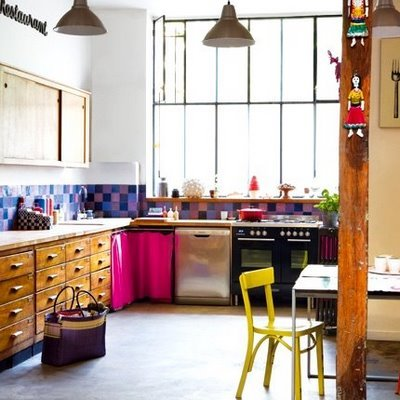 (via thesmartestfish: colorful kitchen)