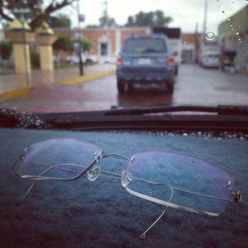 8. Glasses. #photoaday #photoadayaug #glasses #blue  (Tomada con Instagram)