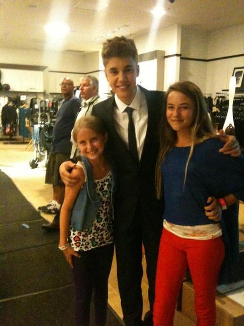 Justin with some fans earlier this week.