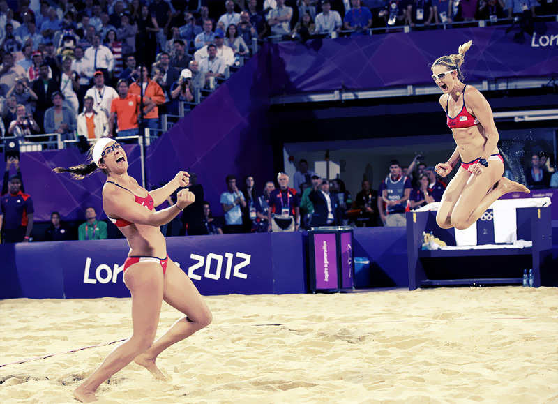 OLYMPICS DAY 12  Misty May-Treanor and Kerri Walsh celebrate their gold medal win
