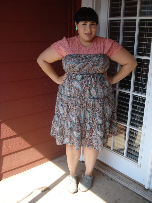 chubby-bunnies:  Dress - Kohl's // Shirt - Thrifted // Oxfords - Forever 21 // Necklace - Forever 21 // Earrings - Thifted I'm a size 20/22 USA and I love all things glam.  Please stop by my blog and say hi if you'd like!  xoxo Stay fabulous dolls!