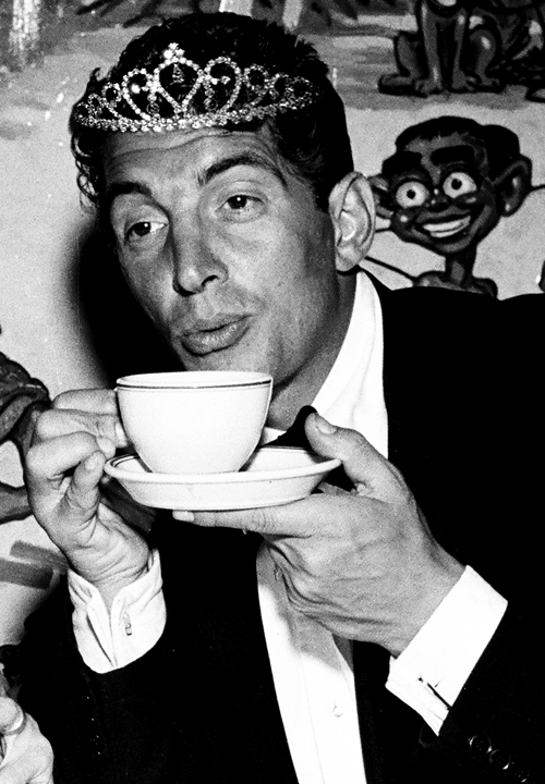 famousmenwearingtiaras:  Princess Dean Martin enjoys a formal tea