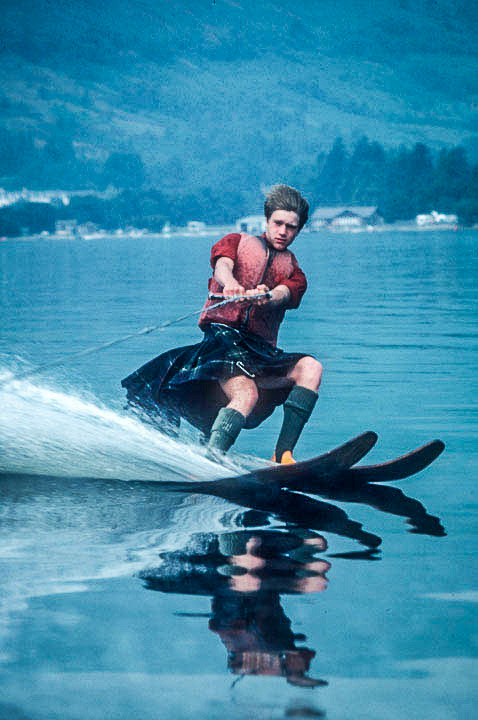 Water-skiing kilted