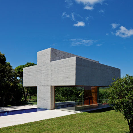 All Saints Chapel at Martinho Campos by Gustavo Penna