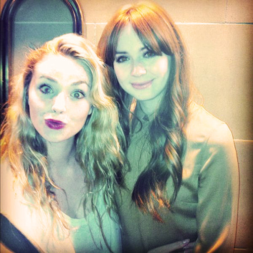 ‏@freyamavor__ With the lovely @KarenGillan2 last night discussing dancing antics. I look insane. (x)