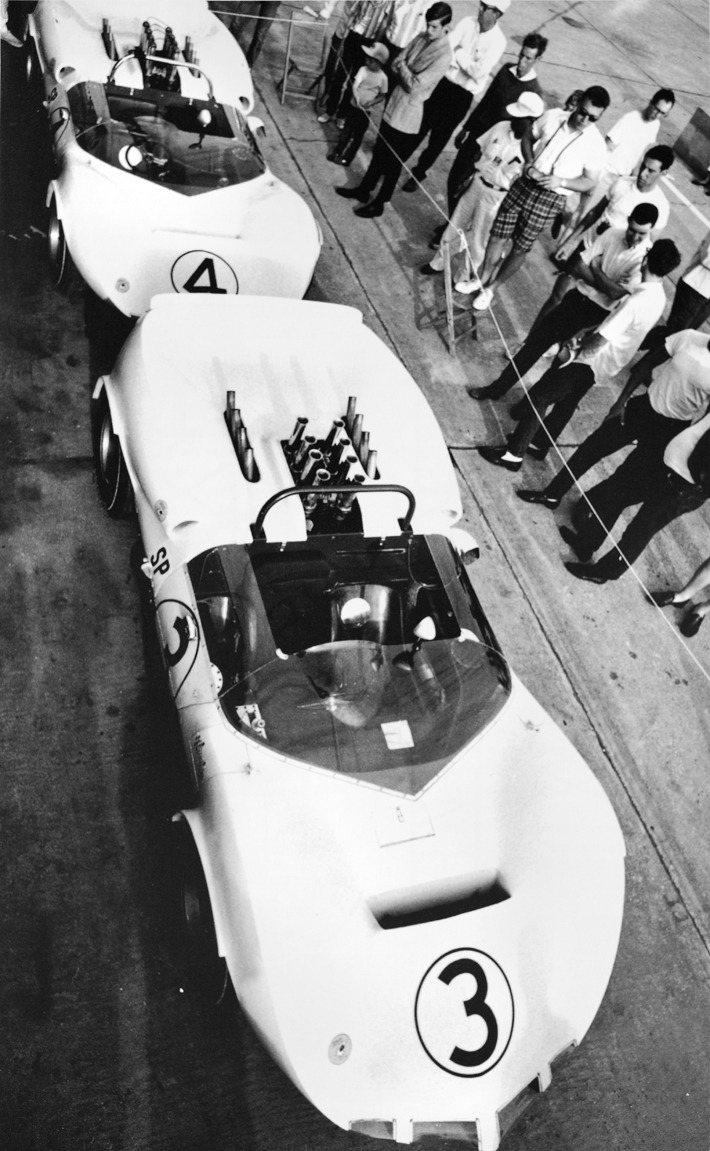 gashetka:  1965 | Chaparral 2A | Driver: Jim Hall Source