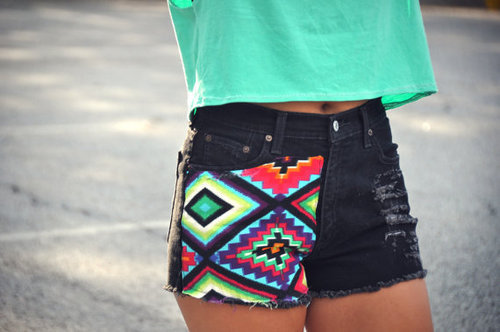 iheartkaitlyn:  Tribal shorts!