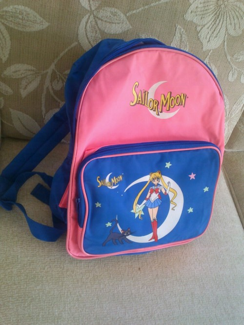 Got my sailor moon backpack today ; u ; beautyy