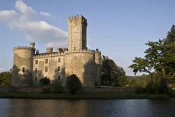 Riverrun, seat of House Tully  Montbrun castle via