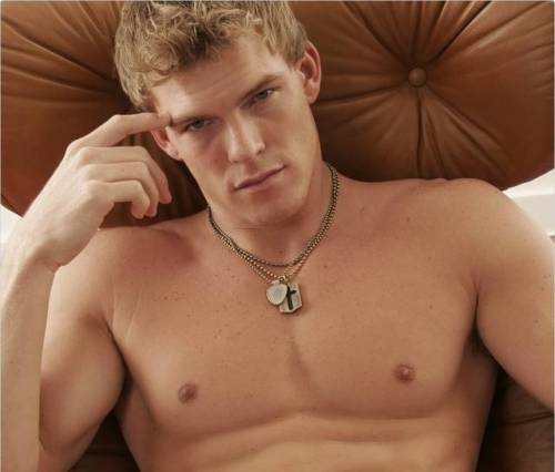 Hunger Games: Catching Fire Alan Ritchson as Gloss (via Hunger Games – La Ragazza di Fuoco: Alan Ritchson scelto come Gloss! | Il blog di ScreenWeek.it)