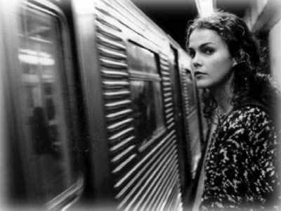 "Felicity is back … and she's a spy! Well, not really. Keri Russell will star in FX's ""The Americans,"" a Cold War spy series about two spies living in the suburbs of Washington. The show is set to premiere in 2013. More details."