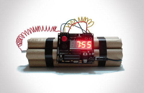 whereisthecoool:  Defusable Alarm Clock  I want you.