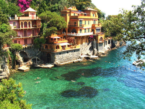 (via Just before Portofino, a photo from Genoa, Liguria | TrekEarth) Portofino, Liguria, Italy