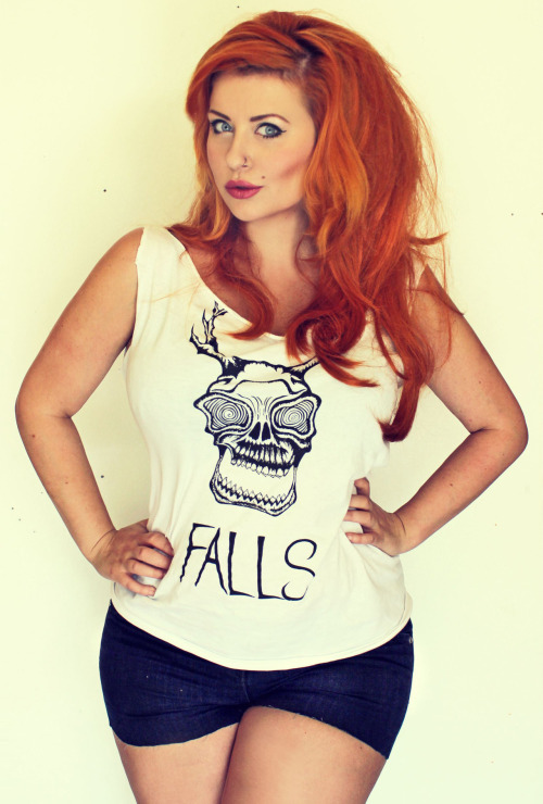 Here is me doing a wear of another Falls T shirt.Like Ive said before, Falls are a marvellous band, and you should probably all buy their t shirts, so that you can wear them, and be happy in your lives.   To visit them on the facebook, go HERE. https://www.facebook.com/fallsband To buy a T shirt, go HERE. http://falls.bigcartel.com/ LOVES YOU ALL!!