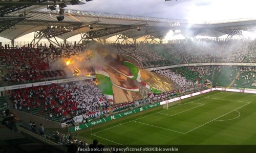 fankurve:  Legia Warszawa fans with nice choreo and pyro tonight at start of Europa League match vs Ried!