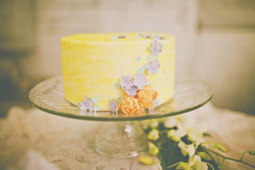 bride2be:  adorable pastel yellow wedding cake