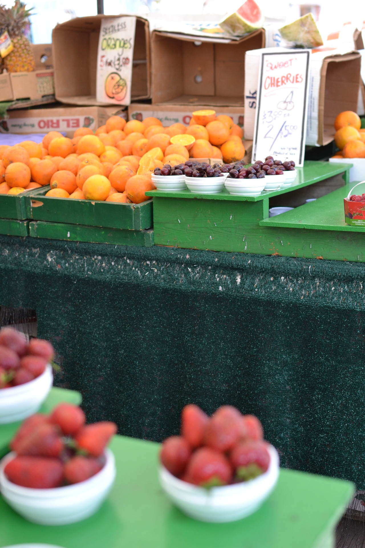 spiceinthecoffee:  Ottawa farmers market yeh Canada was really cool