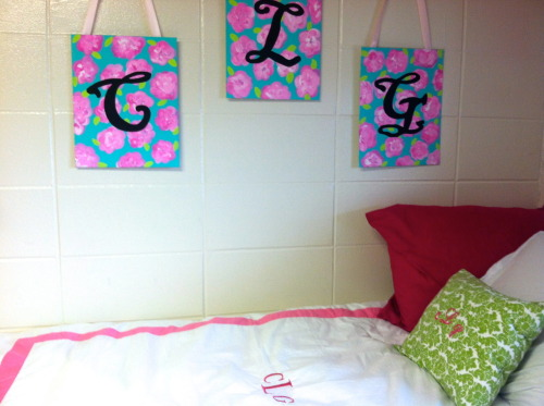 easterngirlwithpearls:  Monograms are a must for dorm rooms