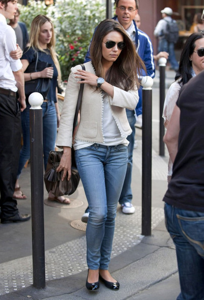 Mila Kunis shopping in Paris