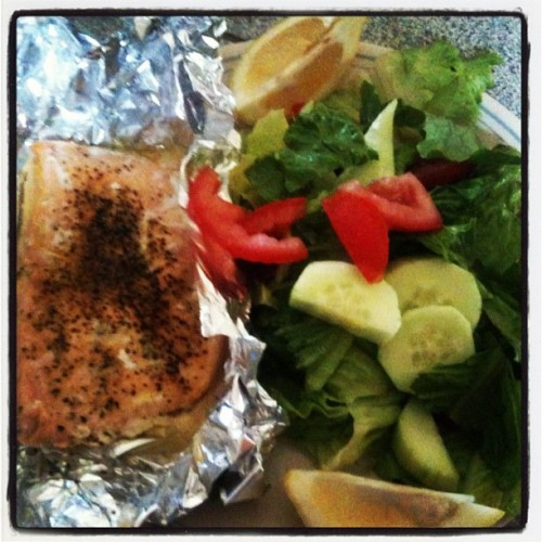 Day 4: a better future.  Home cooked meal of salmon w/ lemon pepper & a generous salad.  Staying #healthy, surviving the heat. #food #lunchtime (Taken with Instagram)