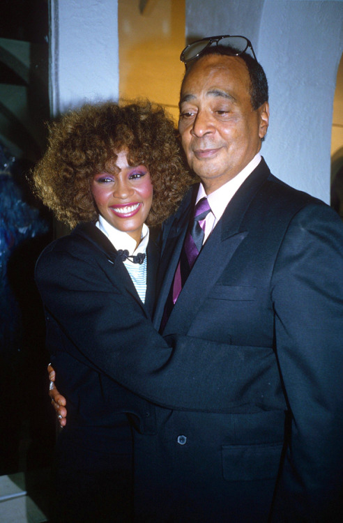 (via Happy Birthday, Whitney Houston – Hidden Song Gems From The Diva | Crunk Disorderly)
