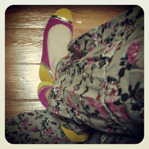 #shoes #pink #yellow #gold #dress #floral #mystyle #myfashion #mythings #mylife #fashion  (Taken with Instagram)