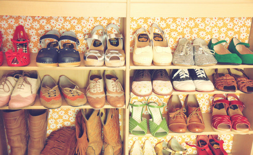modcloth:  Looking at all of Katie's perfectly organized shoes makes me want to go shopping! There are so many styles that are just perfect for any occasion and all right at her fingertips. And can we talk about that wallpaper? Adorable! (via Skunkboy Blog) <3 Kelly, ModStylist Need styling suggestions, trend tips, or dress details? Ask a ModStylist and your question might be featured on our feed!