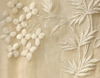 evrymom:  detail: mid-19th century embroidery on abba, Kermarn. V & A collection.