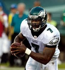 Vick injures dog bidding hand in preseason opener