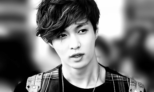 8/50 photos of Lay