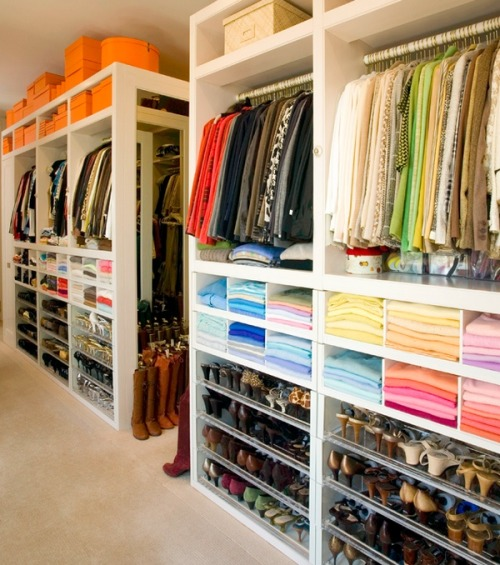 calllmeclassy:  lovinglifeandlilly:  This is my dream. Hello, OCD.  ^