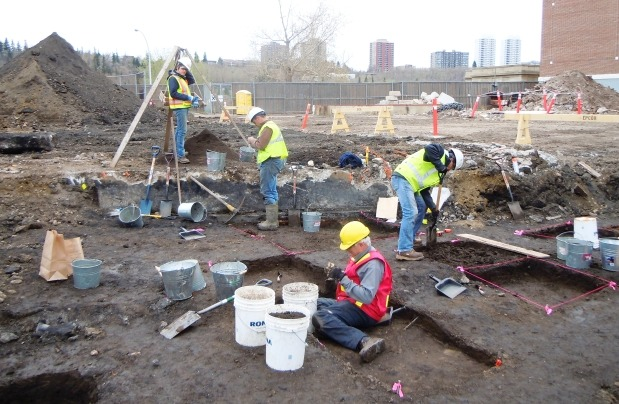 "(via Footprint of old fur trading fort found in Rossdale Flats) ""Archeologists have uncovered a palisade trench on the Epcor grounds that for the first time pinpoints the location of one of the early Edmonton fur trading forts."""
