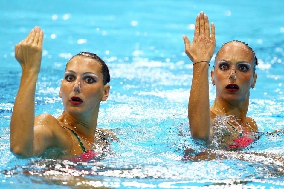 rhymeswithbean:  Synchronized swimming is the best and most terrifying thing that exists in this world.