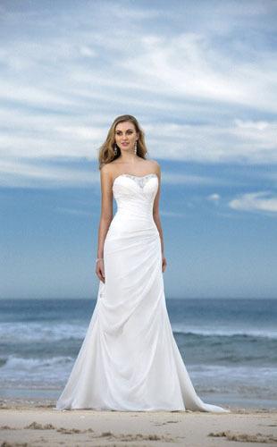 Trumpet /Mermaid Strapless Chapel Train Chiffon Wedding Dress