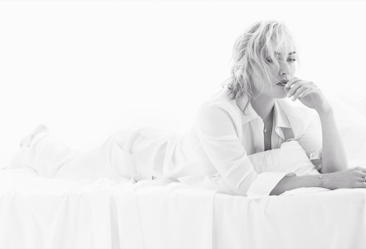 suicideblonde:  Kate Winslet photographed by Miguel Reveriego for Vogue Spain, 2012