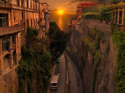 bluepueblo:  Sunset, Sorrento, Italy photo via whitemiss