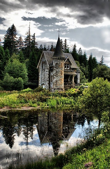 haughtyspirit:  fiestyvxn:  lalulutres:  Fairytale Gatelodge, Ardverikie Estate, Kinloch Laggan, Inverness-shire, Scotland  My house-in- the-country Castle!  Isn't it adorable?  Such romantic fantasies I can imagine turning into reality there.  Not as grand as Permberley Estate, but for a country retreat, just perfect! ;) ~Love <3  Absolutely charming and lovely!