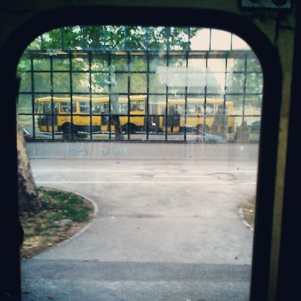 Bus refleks #bus #window  #reflection  (Taken with Instagram)