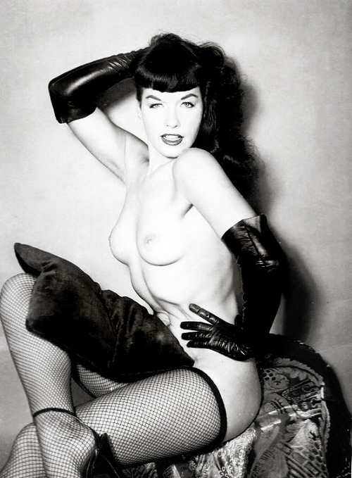 cherryup:  Bettie  Hay-sus Marimba! :O It's like I've said before, could she be any more beautiful? Of course the answer is always no, she could be none more beautiful.  <3