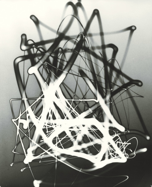 arpeggia:  Herbert Matter - Light Drawing, 1943