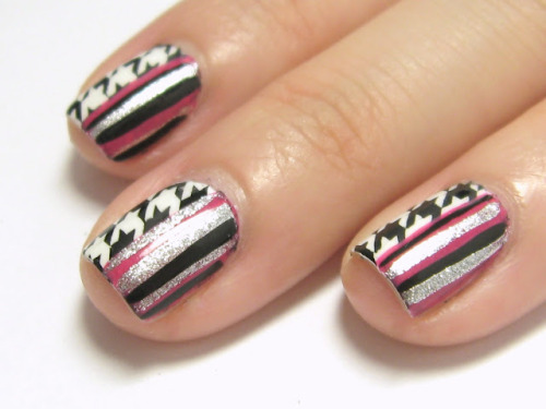 legallynailed:  Legally Nailed: Houndstooth and Stripes