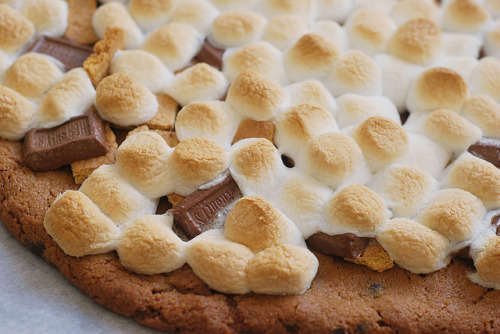 mashimaro:  S'mores Pizza | Flickr - Photo Sharing!
