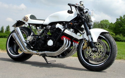 If you were going to choose a base for a cafe racer, you'd probably look at a single like a SR400/500 or twin CB or maybe even an in-line 4 but you probably wouldn't think of using an in-line 6 cylinder monster CBX1000. Thankfully SP Fight Machines of Germany have skills to match their imagination and have built this stunning machine.    Like us on FB