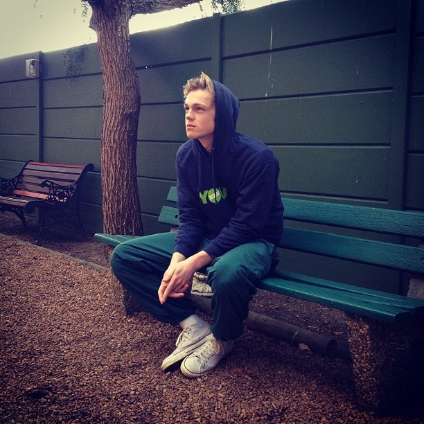 casparlee:  I want u to sit next to me. (Taken with Instagram)